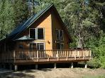 Sunland Lodge with 8-person Hot Tub on Nason Creek