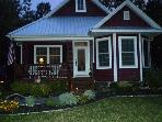 Cute 3 Bed, 3 bath Lake MI cottage in South Haven