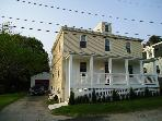 4 Br Pondside Home 2 blks to Ocean in Newport, RI