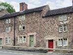 MILL WORKER'S COTTAGE, character cottage, with two double bedrooms, enclosed patio, in Cromford, Ref 16353