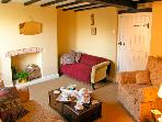 TORR&#39;S COTTAGE, pet friendly, character holiday cottage, with open fire in Wirksworth, Ref 2371