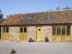 GINNY'S BARN, family friendly, character holiday cottage, with a garden in Askham, Ref 3550