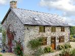 VIEW POINT COTTAGE, pet friendly, character holiday cottage, with a garden in Pedairffordd, Ref 4422