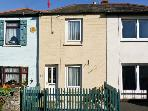MIDDLE COTTAGE, family friendly, with a garden in Ryde, Isle Of Wight, Ref 9198
