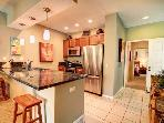 Enjoy your Renovated Villa & Large Tropical Lanai