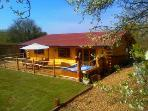 Honey Lodge - Log burner, Hot tub & Tree House