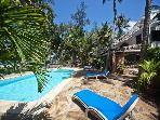 VILLA KIVULINI MAIN (ON BEACH & SLEEPS 8 CLIENTS)