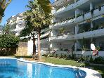 4 bedroom apartment near beach ,golf, restaurants.