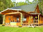 Beautiful Mountain Views Log Cabin near Lake!