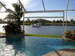 Upscale Waterfront &#39;Villa Retreat&#39; - Gulf Access