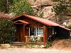 Canyon Escape,original Estes Park cabin, sleeps 5.