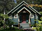 HONEYMOON CHALET - Charming Romantic Cottage