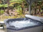 MAUNA LOA COTTAGE - Great Deck with Jacuzzi