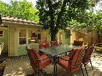 Zilker Cottage: 2 Bedroom House in Zilker