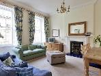 Stunning 2 Bed Apartment in Edinburgh City Centre