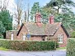 EAST LODGE, single-storey 19th century estate lodge, woodburner, enclosed courtyard, near Ironbridge in Meeson, Ref 21831