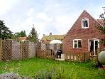 DAMSON LEA, pet friendly, country holiday cottage, with a garden in Worstead, Ref 2301
