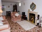 BEAMSLEY VIEW, romantic, country holiday cottage, with a garden in Addingham, Ref 2901