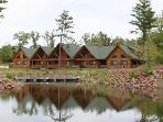 Kingdom Retreat - Drake 805 - Next to Three Bears Lodge and an extensive front yard with a pond!