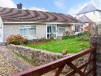 FAIRACRE, family friendly, with a garden in Llangennith, Ref 10568