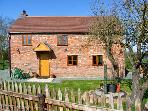 ROSE COTTAGE, family friendly, character holiday cottage, with open fire in Maesbrook, Ref 11319