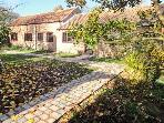 MANOR BARN spacious ground floor cottage, woodburner, beautiful countryside in Horncastle Ref 11494
