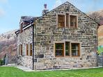 LONG LEES FARM COTTAGE, family friendly, country holiday cottage, with a garden in Todmorden, Ref 11981