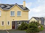 NUMBER 19 KNIGHTS HAVEN, garden, en-suite in Knightstown, County Kerry, Ref 11989