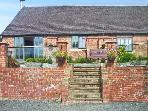 BROOKLEY BARN, pet friendly, luxury holiday cottage, with a garden in Windley, Ref 12124