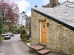CORBAR TOWERS family friendly, ground floor apartment in Buxton, Ref 12280