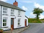 PLYNLIMON VIEW multi-fuel stove, beautiful location, ensuite bathroom in Devil's Bridge Ref 12335