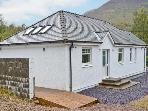 CNOC NAN CUBHAIG, country holiday cottage, with a garden in Ballachulish, Ref 13408