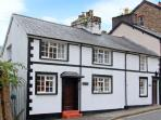 KYNASTON COTTAGE pet-friendly, close to beach and village amenities in Aberdovey Ref 14204