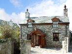 PEN-Y-FFORDD COTTAGE, character holiday cottage, with a garden in Llandudno, Ref 1654