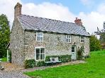HILLGATE HOUSE, pet friendly, character holiday cottage, with a garden in Hemford, Ref 1661