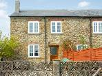 CRABBS BLUNTSHAY COTTAGE, pet friendly, character holiday cottage, with a garden in Shave Cross, Ref 1690