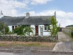 FINCRAIG'S FARM COTTAGE, all ground floor cottage,  with off road parking, and garden, in Newport-on-Tay, Ref 17745