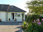 MANDALAY COTTAGE, near North Dartmoor, scenic walks, with off road parking and a garden, near Okehampton, Ref 18379