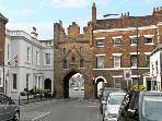 MORLEYS MEWS, lovely duplex apartment in historic market town, close cathedral, market &amp; amenities. In Beverley Ref 18545