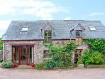 CAECRWN, stunning views of Brecon Beacons, quality accommodation, woodburner, pets welcome, near Brecon, Ref 19083