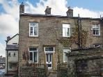 VIRGINIA COTTAGE, cosy cottage, with woodburner, patio, NT Lyme Park close by, in Disley Ref 19810