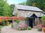 THE OLD BARN, 200 year old barn conversion, en-suite bedroom, conservatory, parking, patio, near Ruthin, Ref 20252
