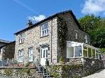 BRIARCLIFFE COTTAGE, family friendly, luxury holiday cottage, with a garden in Lindale, Ref 2043