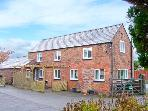 THE COTTAGE, detached cottage, ideal for families, pet-friendly, in Tarvin, near Chester, Ref 21376