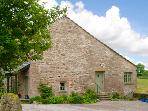 PICKLE COTTAGE, romantic, luxury holiday cottage, with a garden in Hutton Roof, Ref 2197