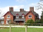 DAIRY APARTMENT 2, character holiday cottage, with a garden in Tatton Park, Ref 2297