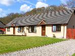 5 COILTIE CRESCENT, pet friendly, with a garden in Drumnadrochit, Loch Ness, Ref 2464