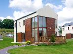 3 CASTLE QUAY, family friendly, with a garden in Kinsale, County Cork, Ref 2685