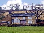 BROW FARM, pet friendly, country holiday cottage, with a garden in New Mills, Ref 2774