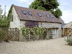 SYKES HOUSE COTTAGE, family friendly, character holiday cottage, with a garden in Halford, Ref 2904